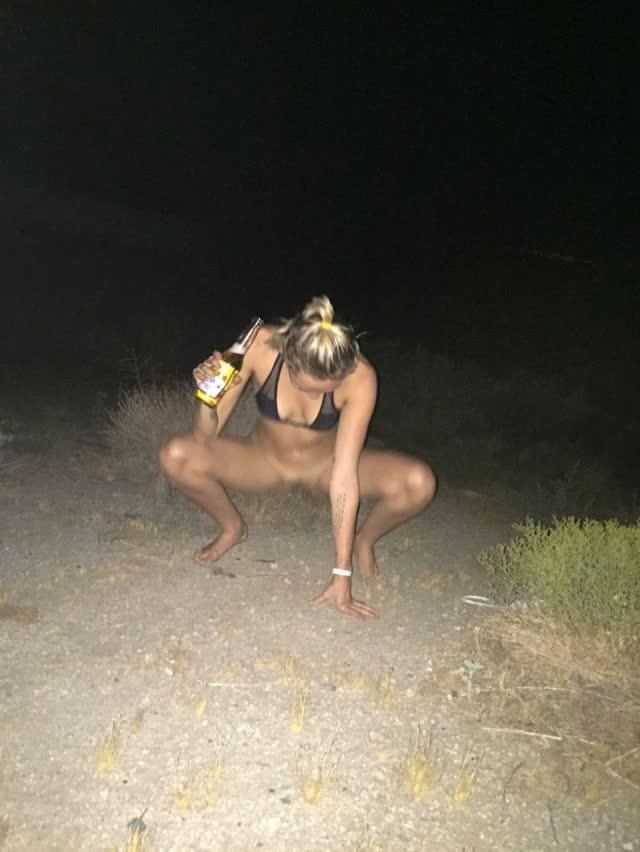 Miley Cyrus tem fotos intimas pelada vazadas por hacker confira 15
