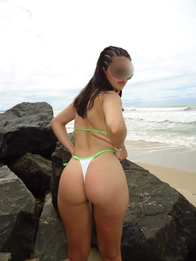 Novas fotos da professora Bia, a magrinha rabuda do casal mídia de ferias no litoral 3