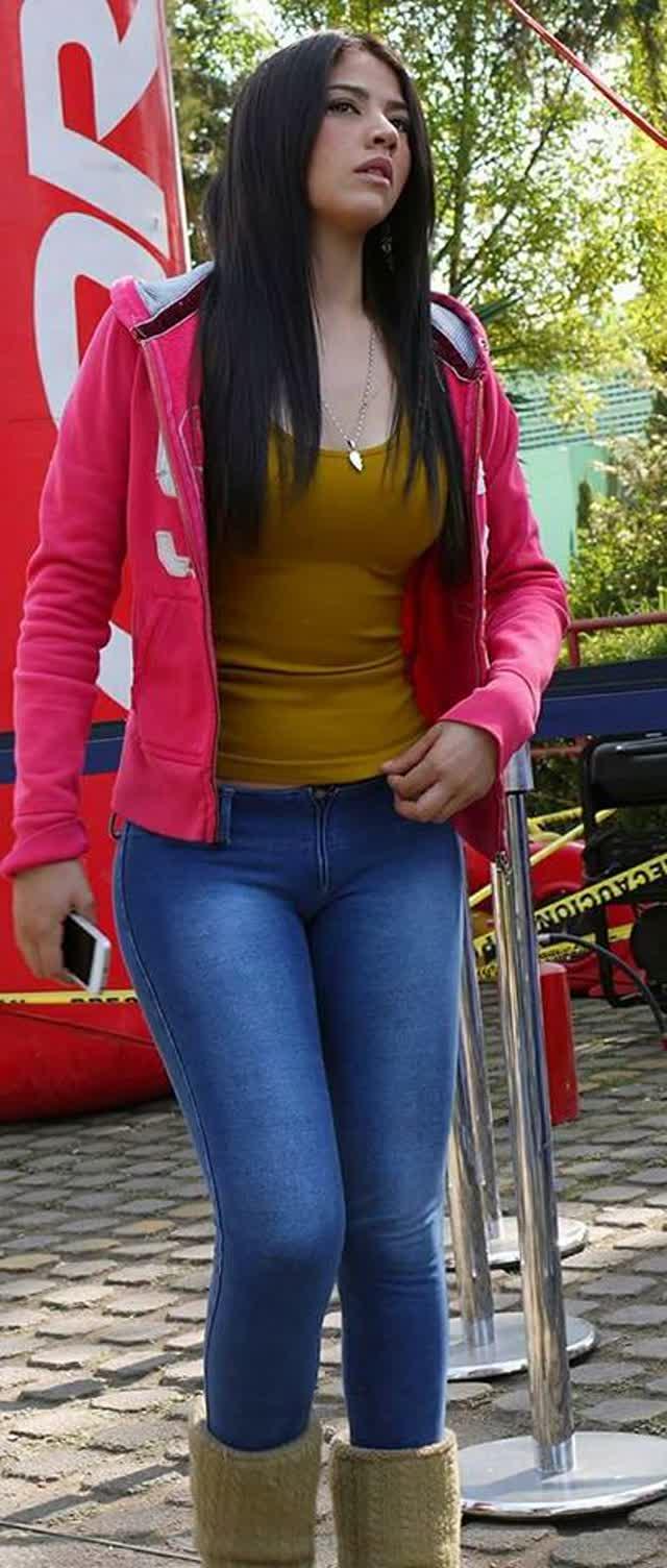 Daniela Hornedo depois de viralizar com fotos posta videos intimos na internet 12