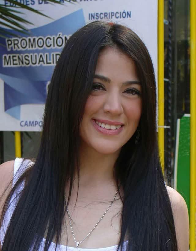 Daniela Hornedo depois de viralizar com fotos posta videos intimos na internet 20