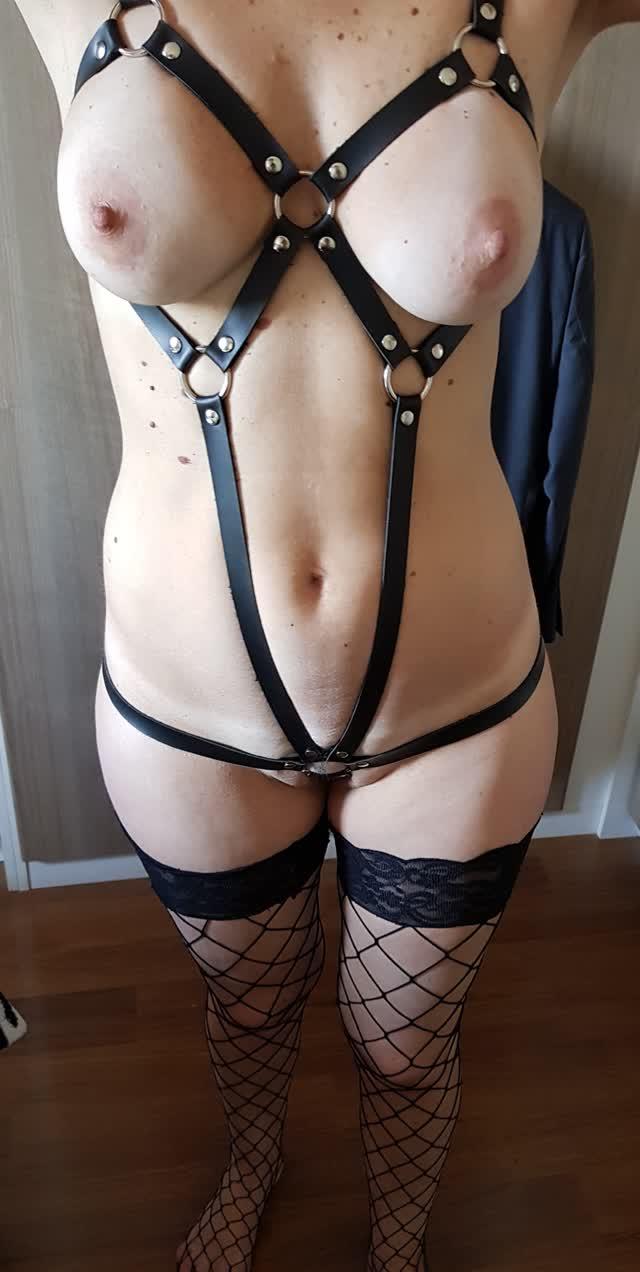 Fabi novinha peituda muito gostosa mostrando seus fetiches - casal sampa 43