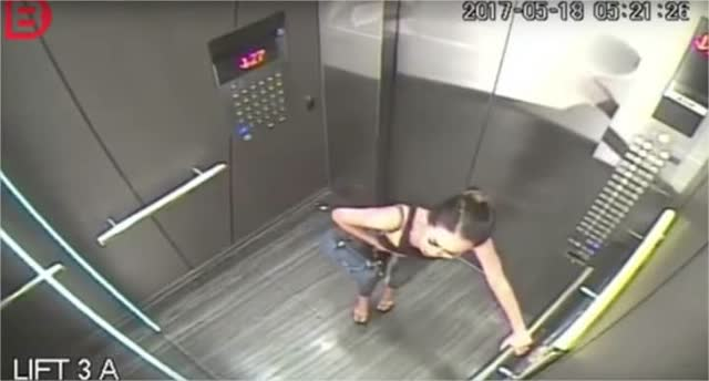 Filmagem em elevador flagra antes e o depois de uma garota de programa 4