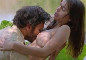 Greta Antoine nua pelada em cena de sexo em filme