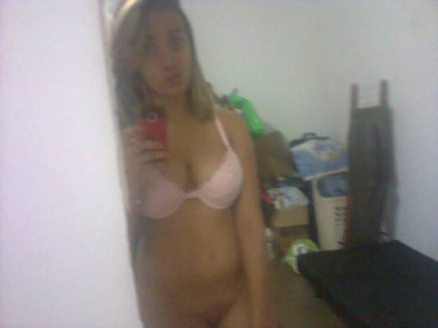 Daiane vazou com fotos intimas no whatsapp 12