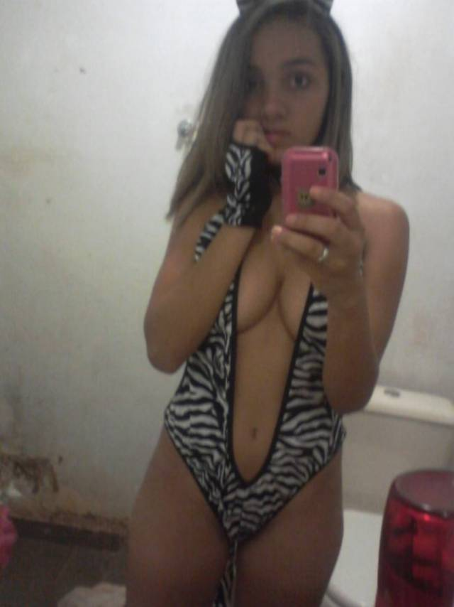 Daiane vazou com fotos intimas no whatsapp 5