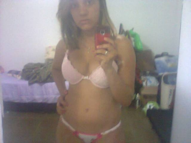 Daiane vazou com fotos intimas no whatsapp 9
