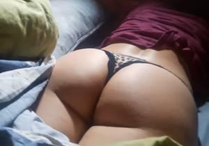 Flagrou_tia_dormindo_so_de_calcinha