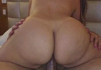 esposa_rabuda_sentando_165165