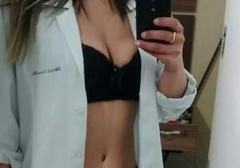 medica_muito_gostosa_tem_nudes_vazados_na_internet_154145