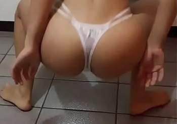 Dalyjess66_gostosa_baixinha_dancando_funk_tirando_roupa_65165451