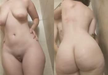 gordinha_gostosona_rabuda_dando_no_banheiro_65451321