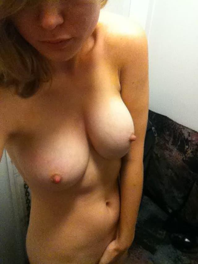 Brie Larson, a Capitã Marvel pelada em fotos vazadas 5