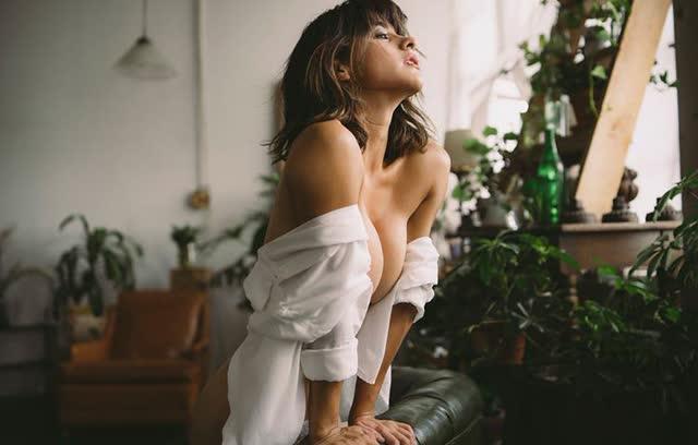 Fotos da novinha gostosa Mia Valentine 1