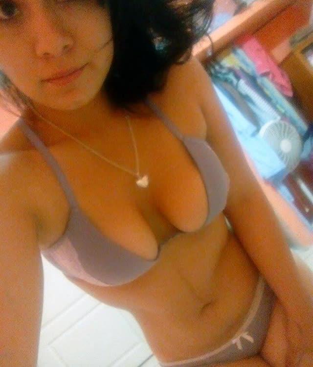 Cuzuda safadinha vazou no whatsapp com nudes peladinha 81