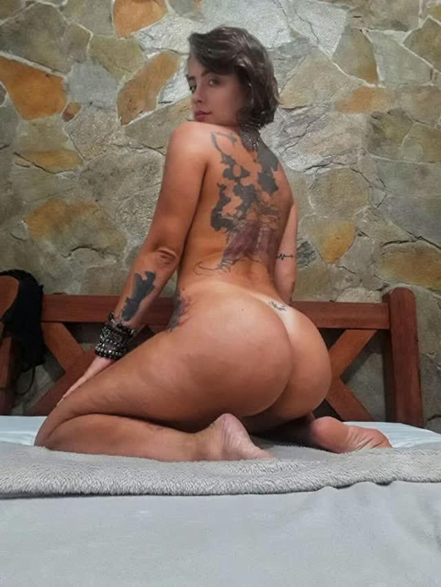 Sara gostosa tatuada peladinha 14