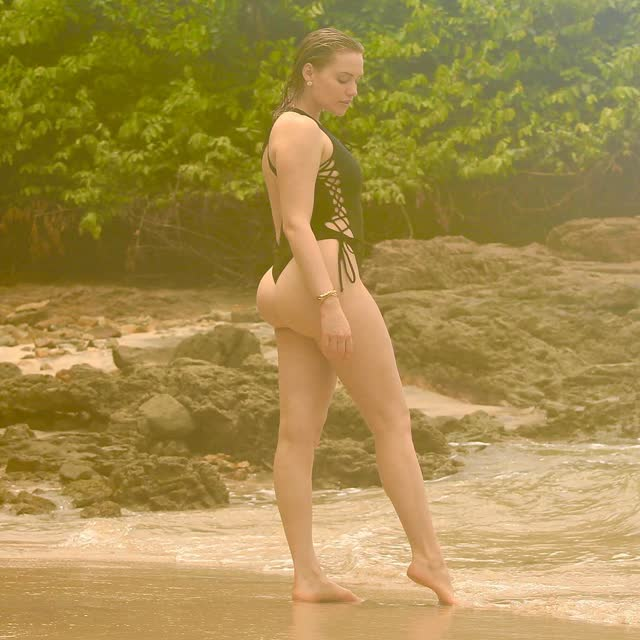 Mia Malkova de ferias no Brasil 11