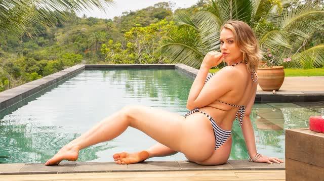 Mia Malkova de ferias no Brasil 9