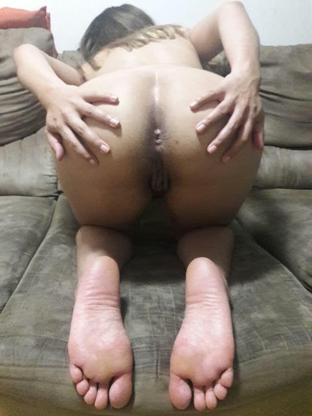 esposa-rabuda-sofa-4