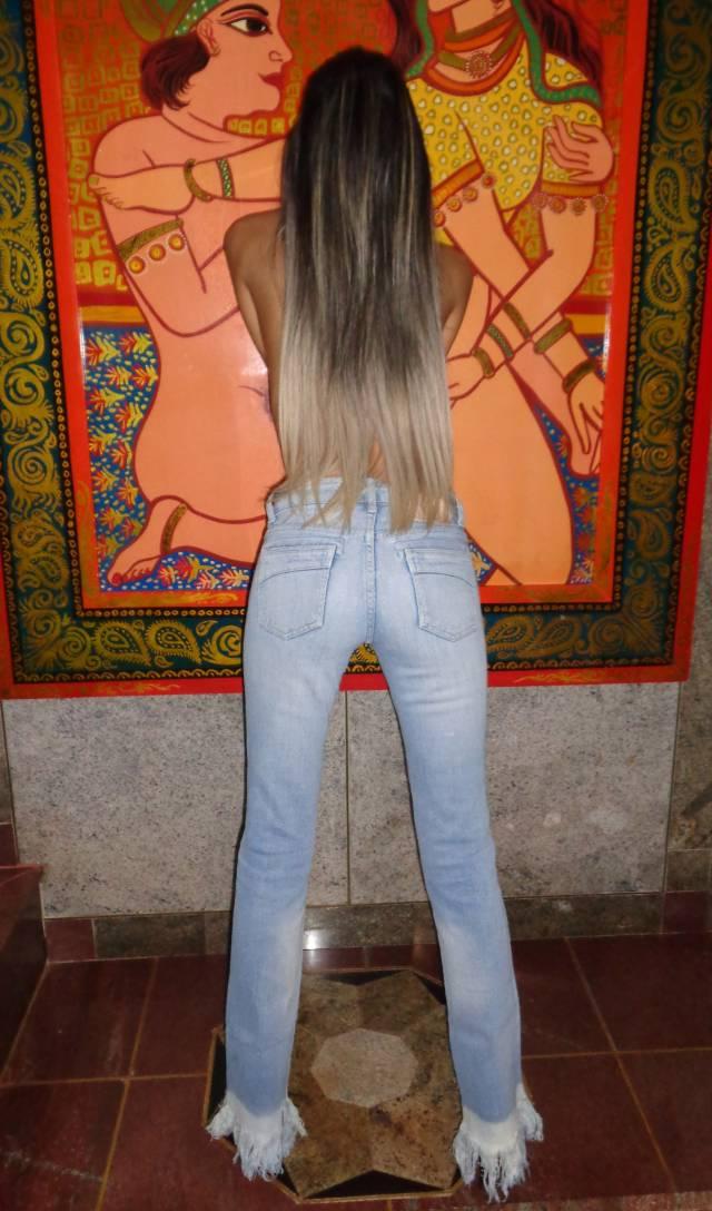 esposa-magrinha-peituda-sem-blusa-da-xoxota-peludinha-5