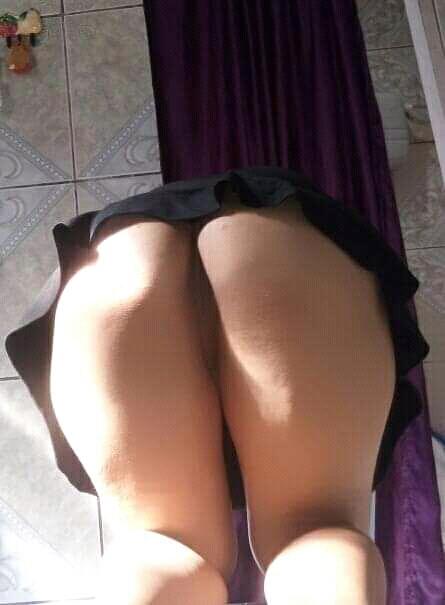 esposa-rabuda-em-fotos-intimas-com-amante-23