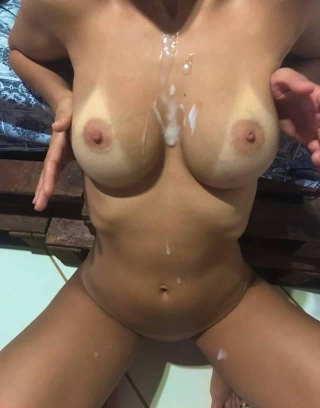novinha-gostosa-deliciosa-em-nudes-transando-com-marido-1