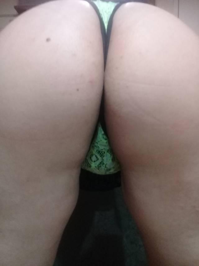 casada-rabuda-provando-as-lingeries-3