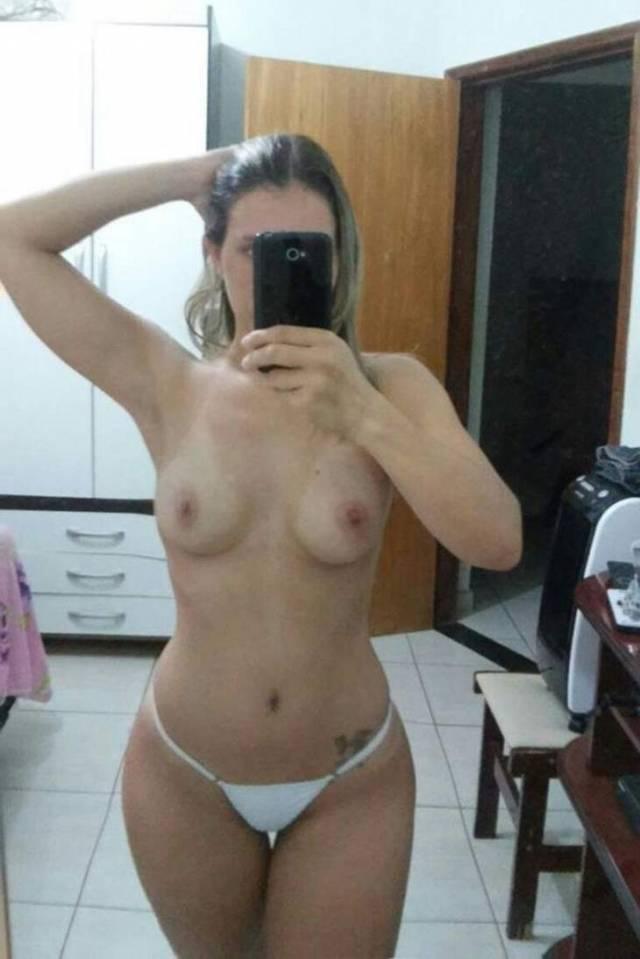 loirinha-perfeita-muito-delicia-em-fotos-nude-9