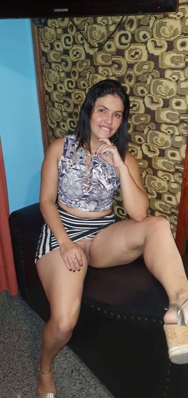 mara-safadona-gostosa-de-nova-iguacu-com-amante-e-marido-fotos-e-videos-52